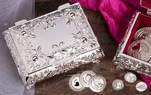 BLOWOUT SALE Stunning silver plated arras box with flowers Box is lined with burgundy velour. Fits large or small coins. COINS SOLD SEPARATELY measures 3 3/4 L x 2 3/4 W x 1 1/2 H