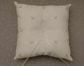 STUNNING Ivory Wedding Arras Ring Pillow with pearl cluster details and ribbon Arras de b