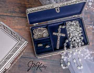 ONLY ONE LEFT-BLOWOUT SALE Stunning silver plated floral two-level lazo box is lined with navy velour