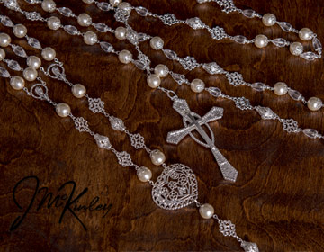 GORGEOUS crystal and pearl lazo with beautiful faceted teardrop beads and large heart rosary center and silver accents.