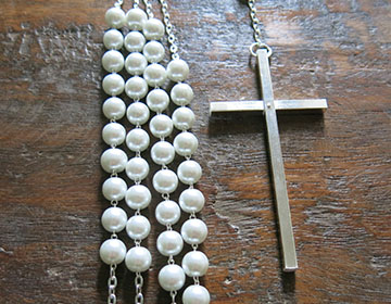 BLOWOUT SALE White Pearl lazo with cross and silver accents